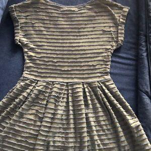 Max Studio Casual Dress. Super cute & Comfy!